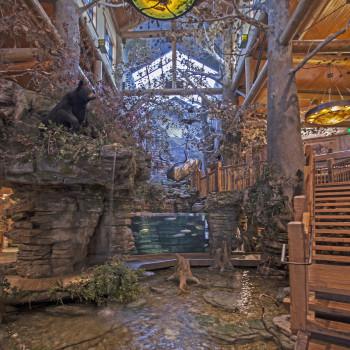 Bass Pro Shop, Big Buck Exhibit - Pinnacle 350 Structural Ridge