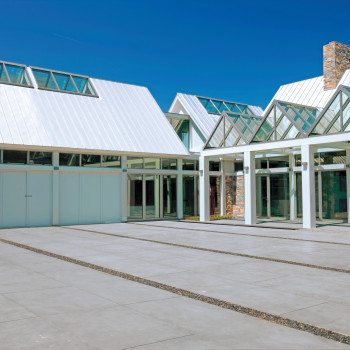 Exterior Residence - Pinnacle 350 Structural Ridges